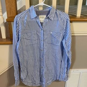 Abercrombie and Fitch long sleeve button up shirt
